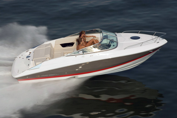 A royal wave from the Regal 2250 « World Sports Boats