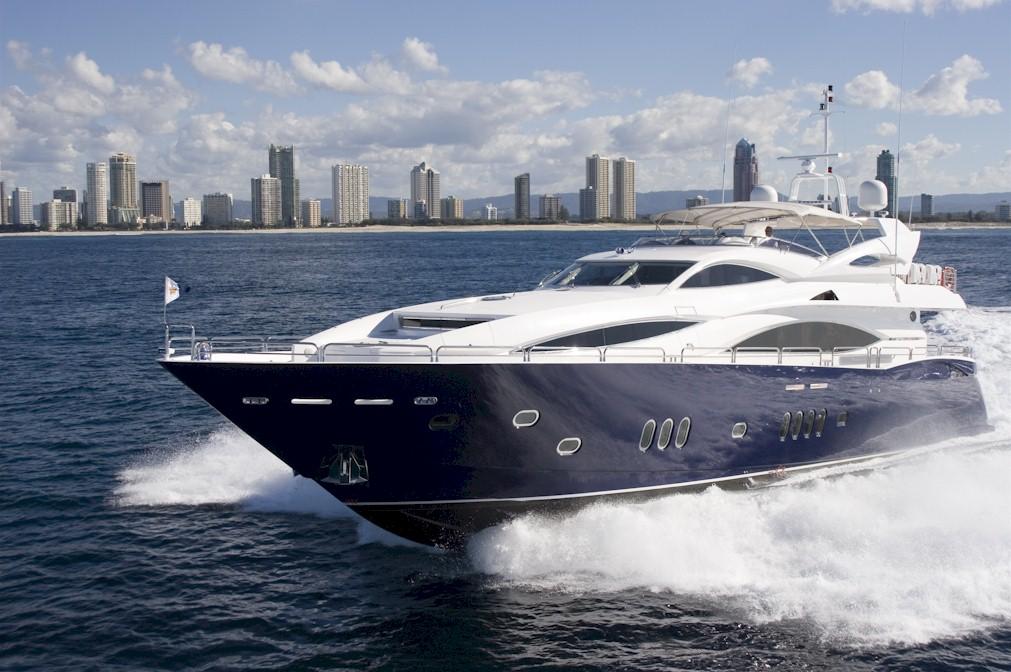 Search the seas in the Sunseeker 105 Yacht – Tribute » Sunseeker 105 Yacht