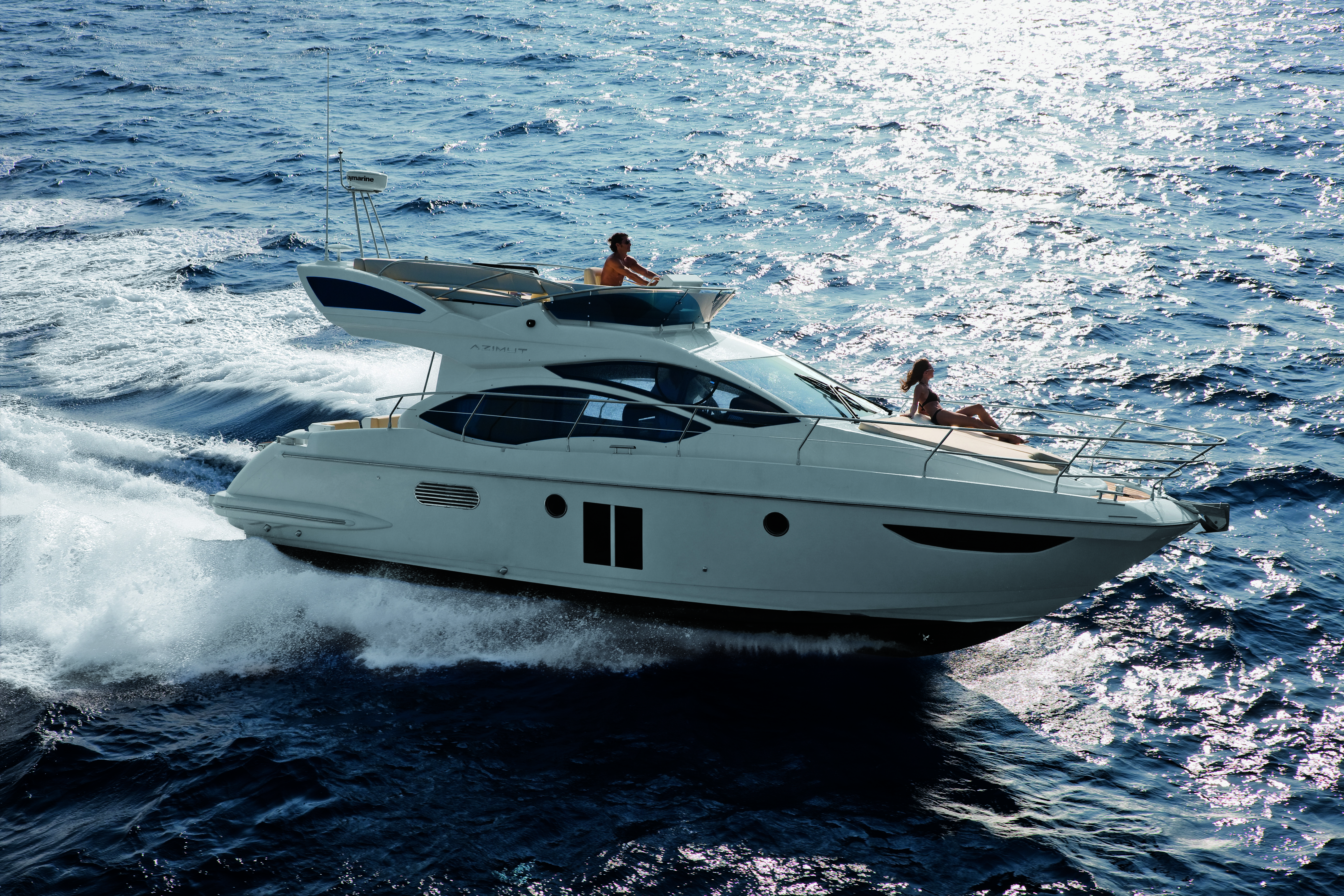 Azimut 38. It can also be called an anti-crisis boat as it offers solid ...