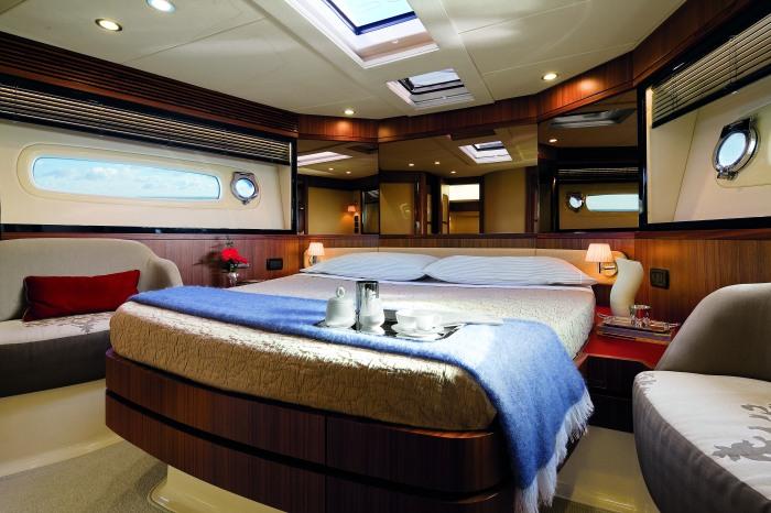 Azimut Magellano 50 VIP Cabin