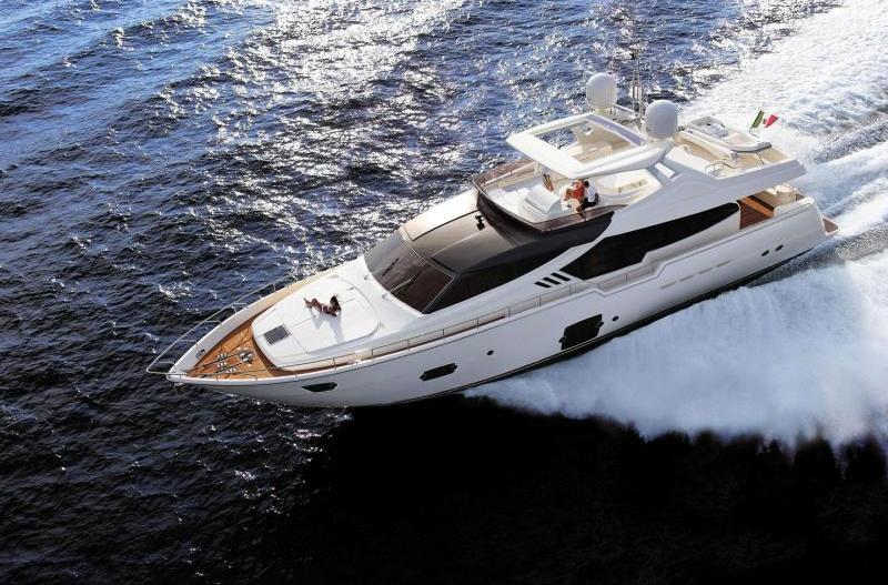 The Ferretti 870, that will be presented during Spring 2012, is yet another ...