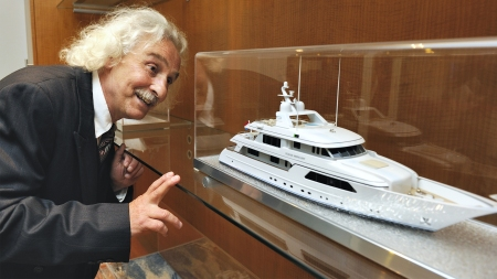Albert_Einstein_at_Feadship_3_relativity