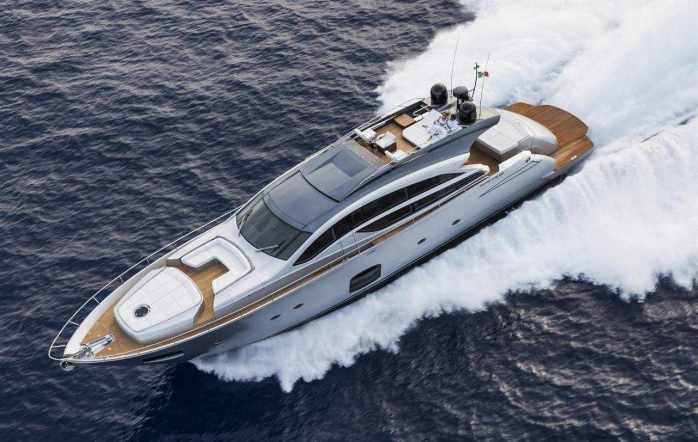 Pershing Yacht 82 feet
