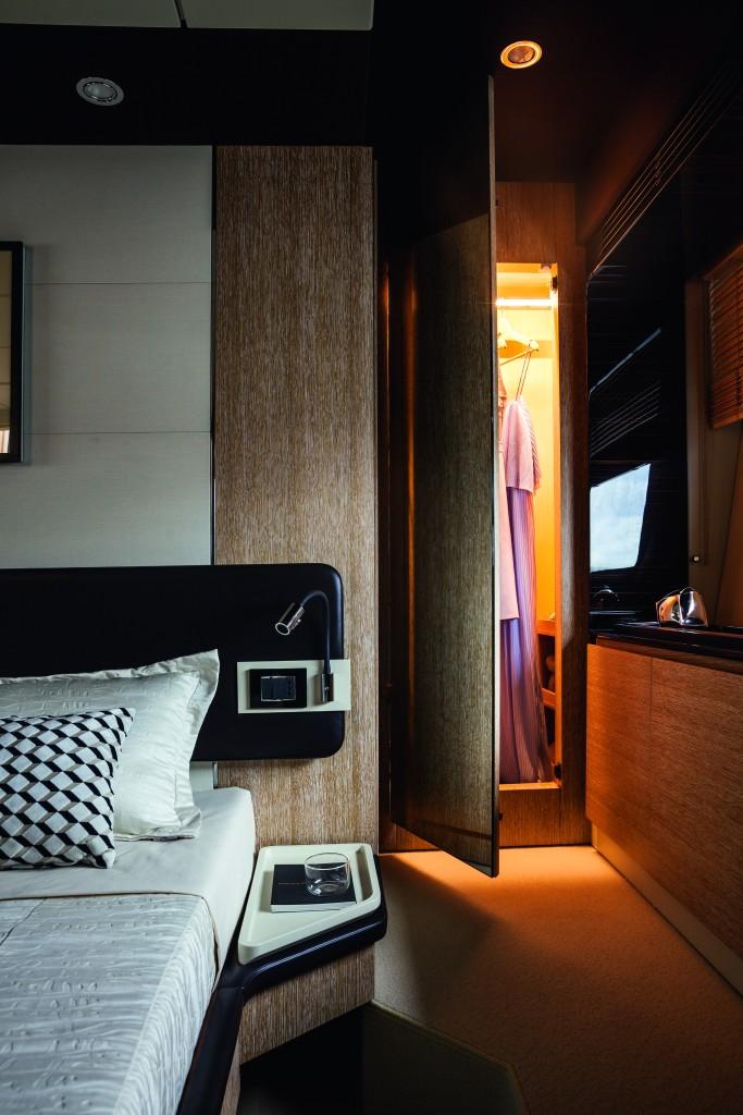 72 Master Cabin Decapè Oak Version Detail