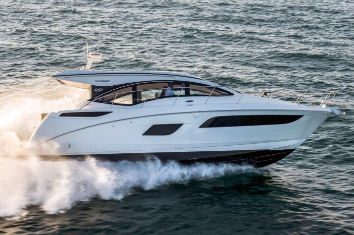 SeaRay 400 Sundancer