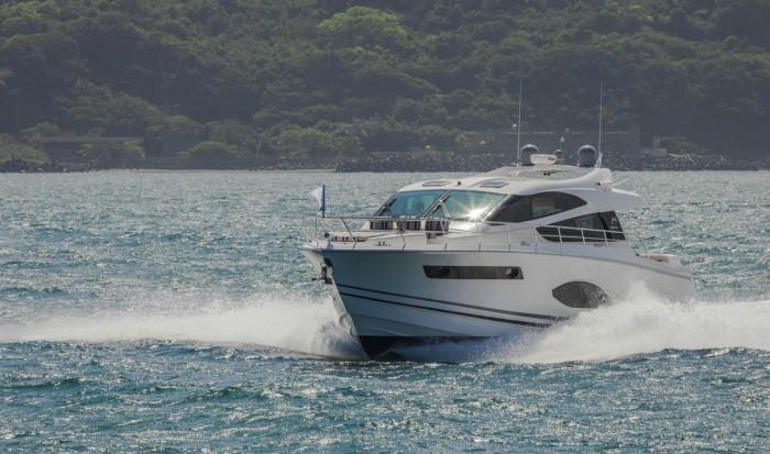 Horizon Yachts E56XO