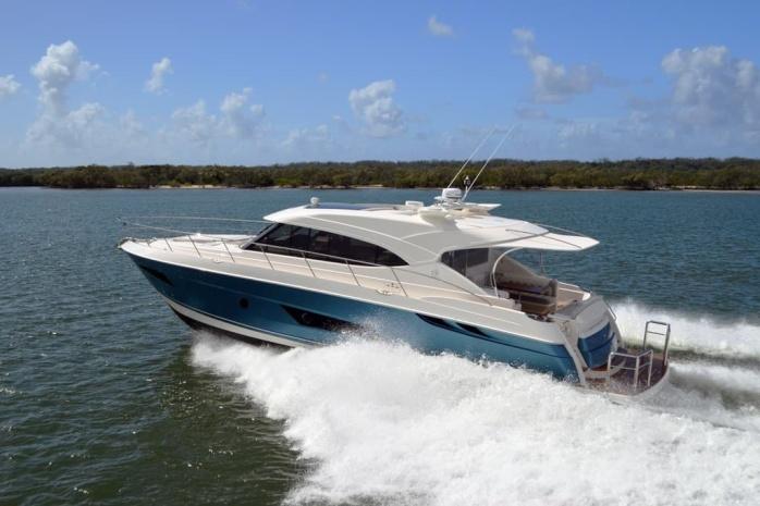 Riviera-5400-Sport-Yacht