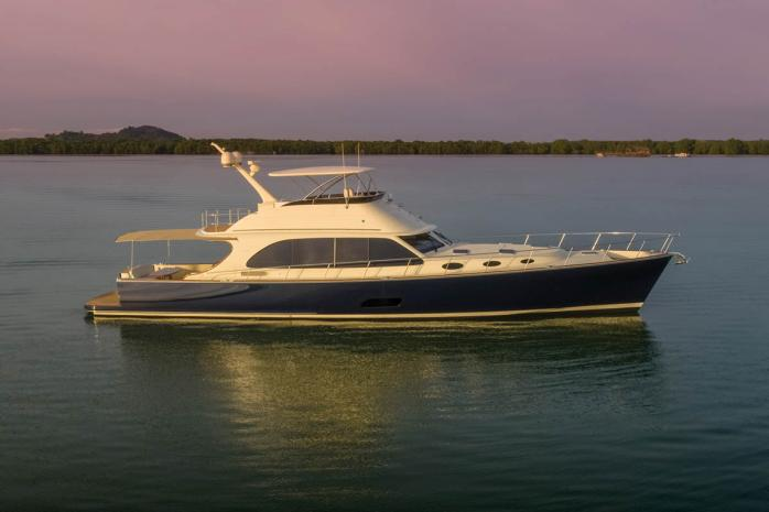 PB70 Palm Beach Motor Yachts
