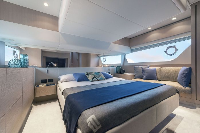 Ferretti 500 master bedroom