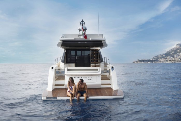 Ferretti 500 bathing platform