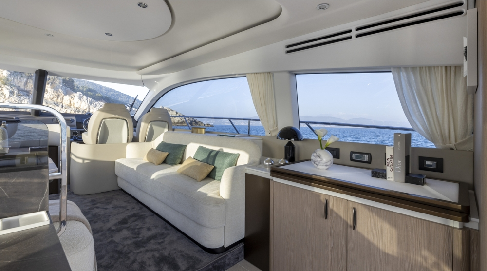 Azimut 53 Fly - Interior