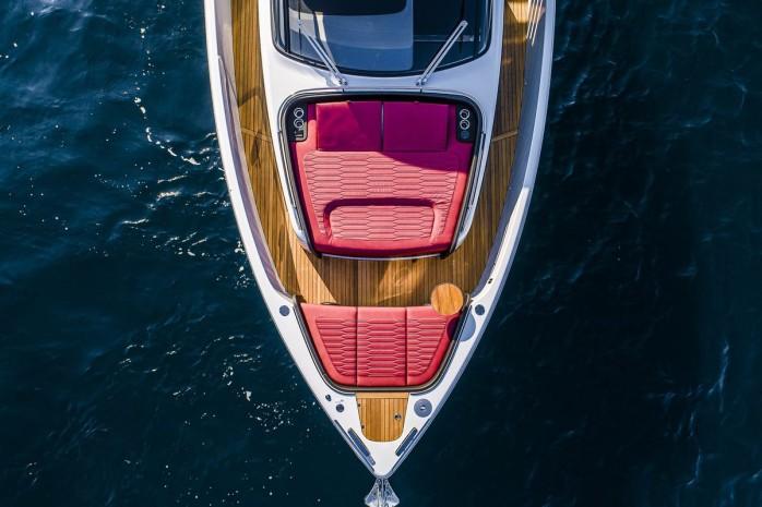 a46_luxury_tender_11