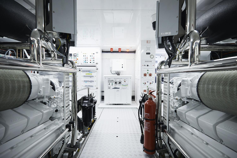 Azimut Grande Trideck Engine Room