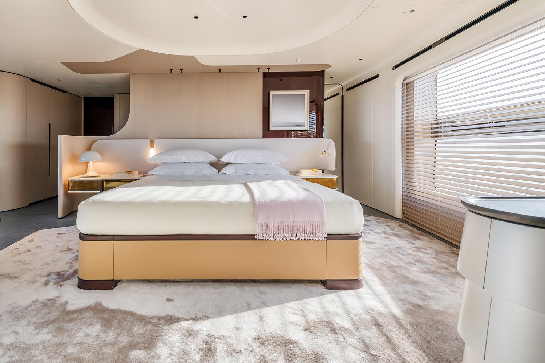 Azimut Grande Trideck Owner Suite